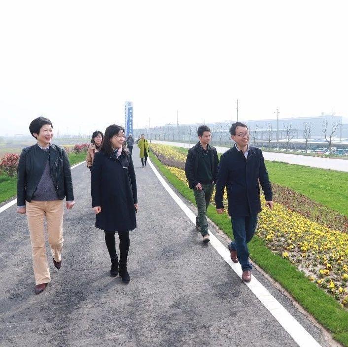 长江沿线8市党报全媒体采访团来湖口寻迹百万雄师过大江