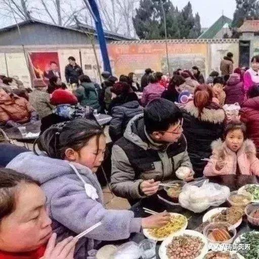 萍乡哪个村结婚请的乐队,头一回见!