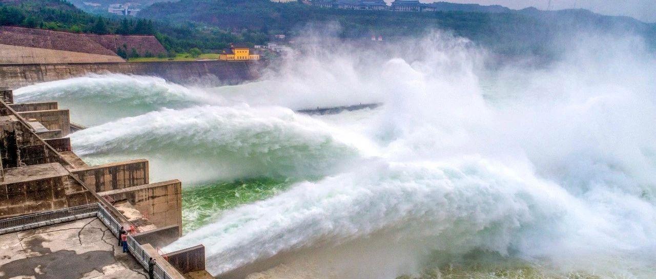 黄河小浪底调水调沙开始了!世界上最壮观的泥沙瀑布…