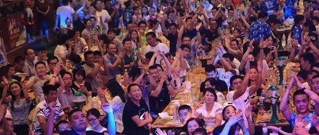 免费嗨玩|富顺宏帆广场首届音乐啤酒节,还有哪些人没去?