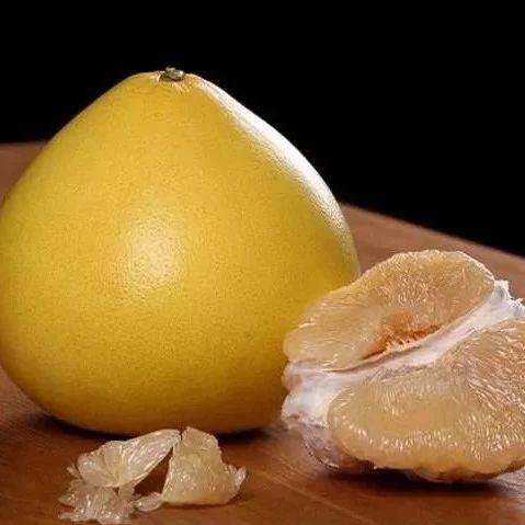 又到了吃柚子的时候了,选尖的还是圆的?记住几点,挑的个个汁多味甜