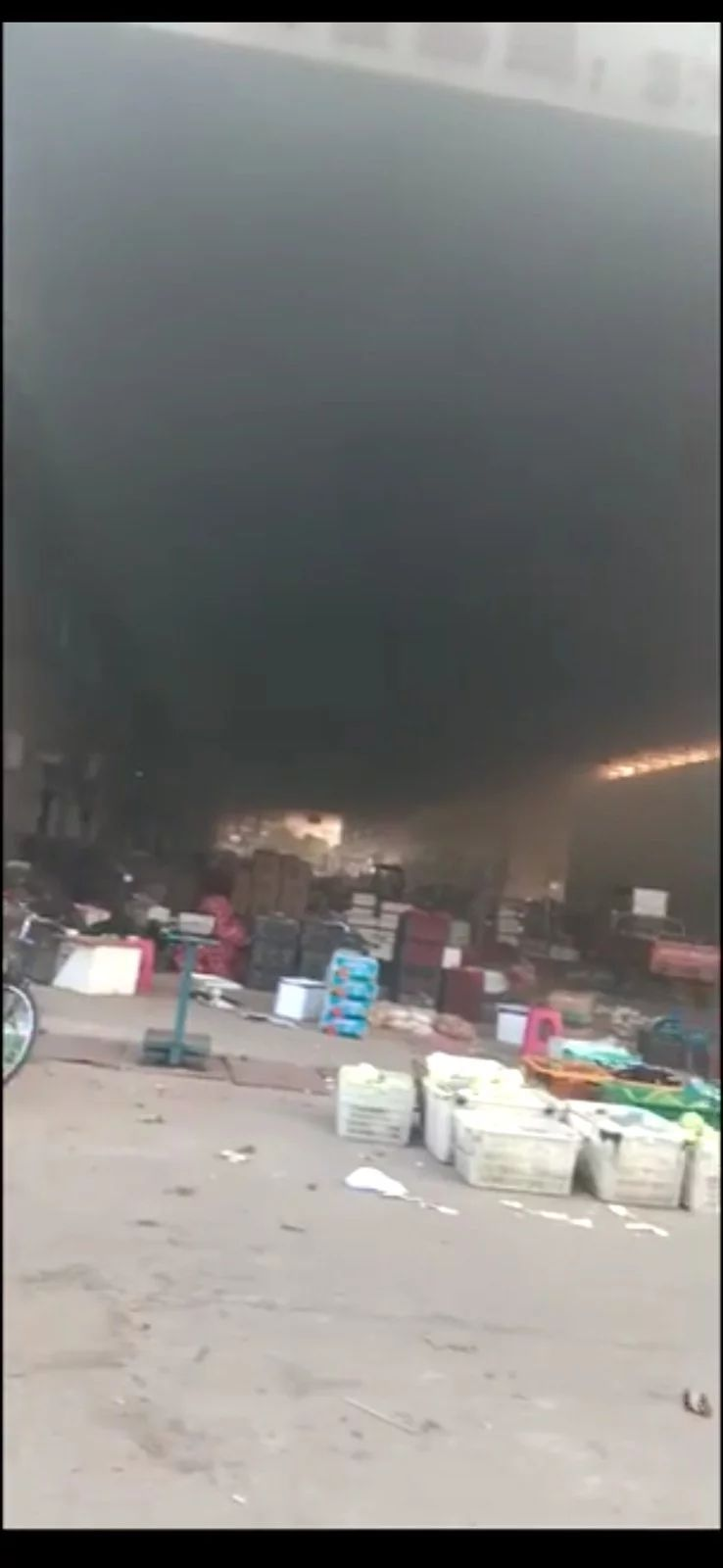【扩散】大冶蓝天物流园发生火灾