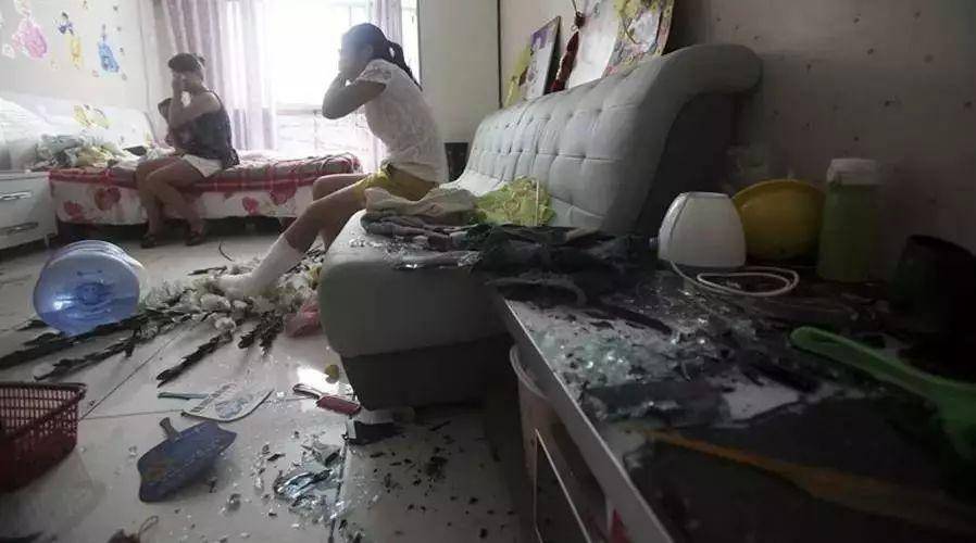 【城吧】马上七月半,永丰一对恩爱夫妻却在家吵翻了天!
