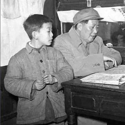 阜�人看�^�帷�―影像��:50年代的中��孩子