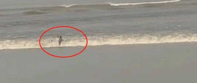 惊魂瞬间!阜阳3男子在钱塘江被潮水卷走,搜救一整夜!目击者大哭…