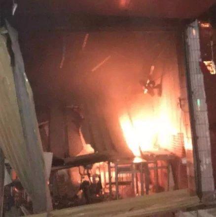 电动车爆燃!阜阳一居民家突发大火!煤气罐已被引燃…