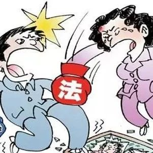 南江一男子竟然因为婚姻问题当着民警的面打人.....
