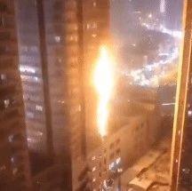 消防通道被堵,大火6分��f上�琼�!�主:�巧现�火跟我有啥�P系?