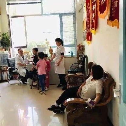 曲阳乡村最美医生-冯存坡