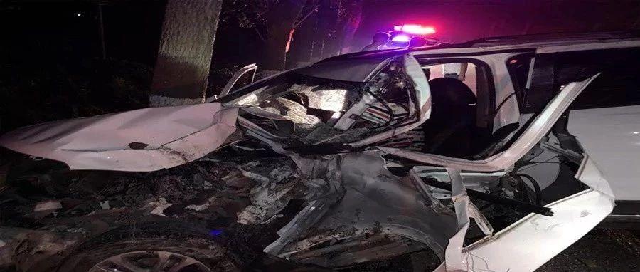 遂宁今晨发生一起严重车祸,交警、消防、医生火速救援!