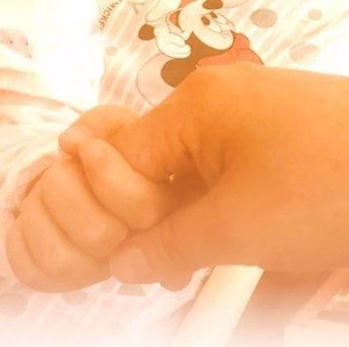 孩子在家意外摔成重伤,家长这个操作让1000万人帮她付医疗费