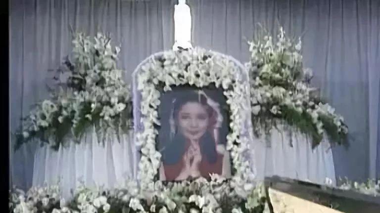 邓丽君下葬全过程罕见照片,死因真相曝光,你肯定没见过!