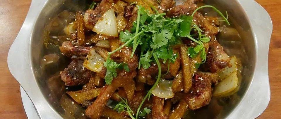 这家的干锅鸭火锅自助了,小份的价格就可以吃到中份的量了!
