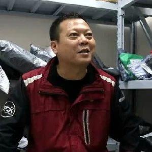 襄阳首批快递小哥汤文军:来往邮件从日均十几件到几万件