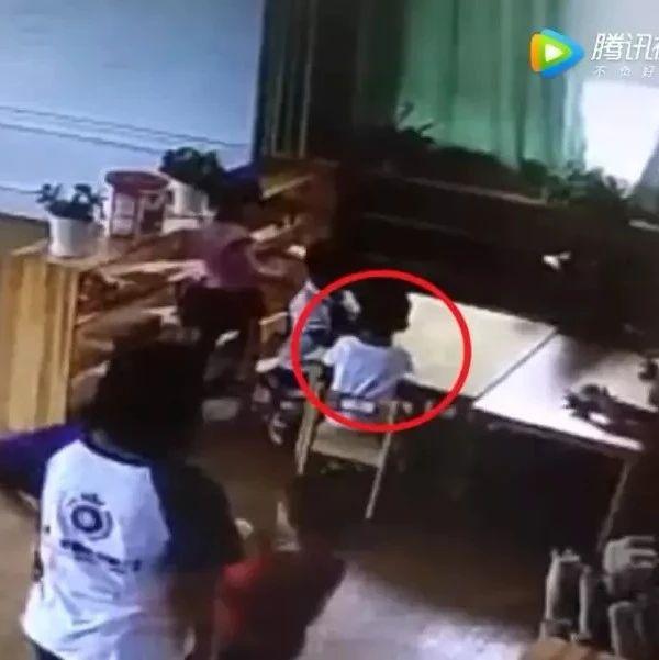 漯河家长注意:4岁男童在幼儿园突然身亡,看完监控夺命几分钟,母亲崩溃大哭