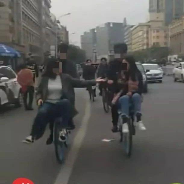 漯河火车站这4个小情侣,不雅视频被曝光!