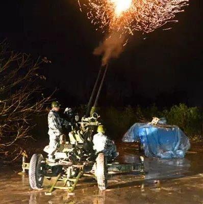 深夜,389发炮弹、56枚火箭弹,呼啸着冲向漯河夜空(附视频)
