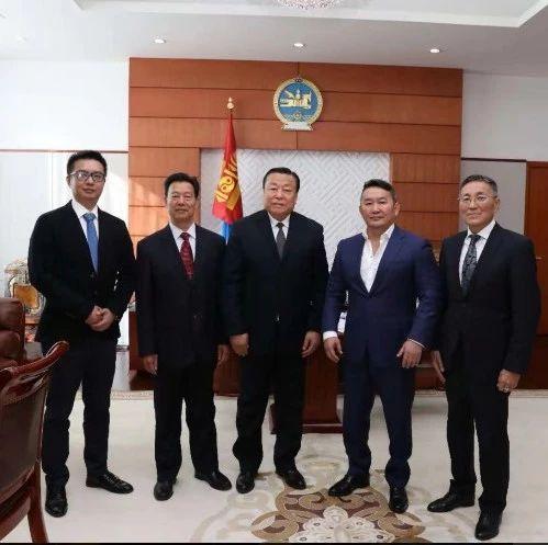 汝瓷作为国礼赠送蒙古国总统,就是这件!
