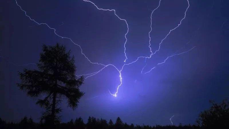 气象部门发布紧急通知!雷暴+降雨+大风又要来了!