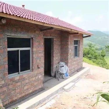 国家要出钱给你盖房子了!每户2万元,但这3类人除外!家里有老房子的看看!