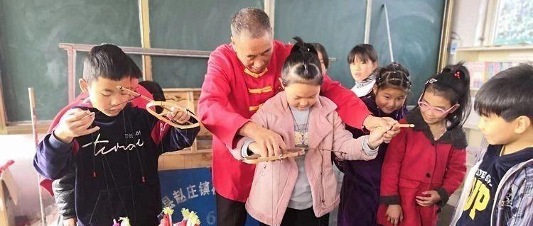【聚焦】宝丰:提线木偶进校园传统文化驻童心