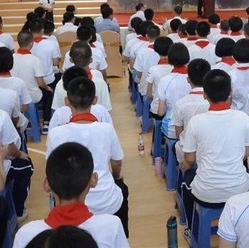 """【荐读】中学生为何要统一发型?这个学生""""投诉""""亮了"""