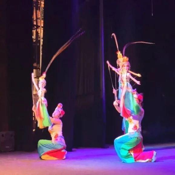全国唯一!资中木偶戏惊艳亮相乌克兰国际木偶艺术节,现场爆棚满座!