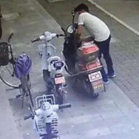 蟊贼在蓬溪偷盗电瓶车后,因车技太烂发生车祸落入法网!