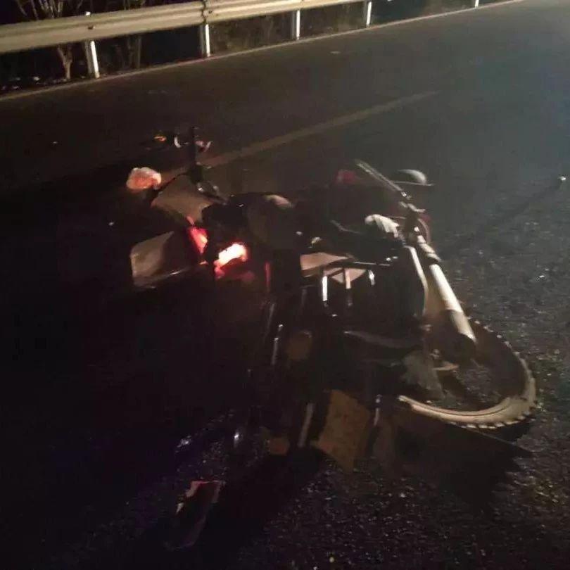 蓬溪男子驾驶摩托车撞上2名行人!还有一起更�潘康某祷觥�
