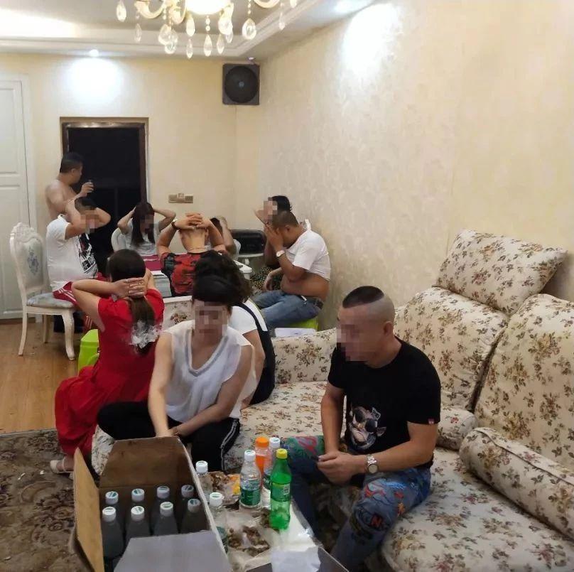一大波男女在酒店被抓,蓬溪男子工�Y300�K一天!