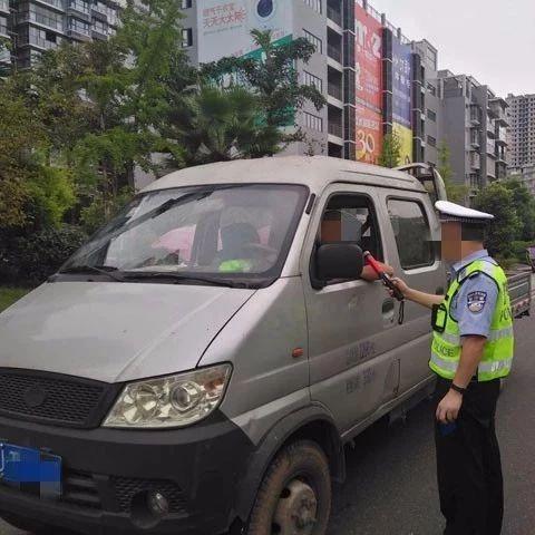 蓬溪警方雷霆出击,69起违法行为被严厉查处!包括4起无证驾驶…
