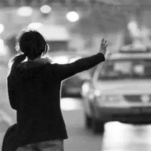 安徽一女生被绑架20天,最后警方在宾馆找到她,震惊了···