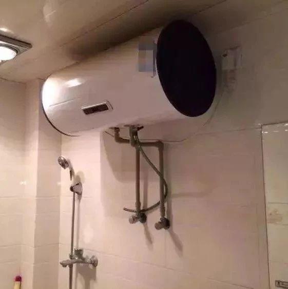 千万别在卫生间这样洗澡,严重可致命!家家户户都要注意!!!