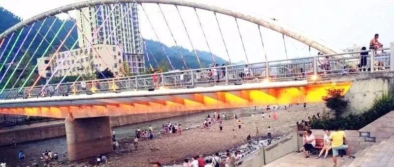 """今天,筠连又新增添了一座""""桥"""",居然唤醒了人们记忆中的味道"""