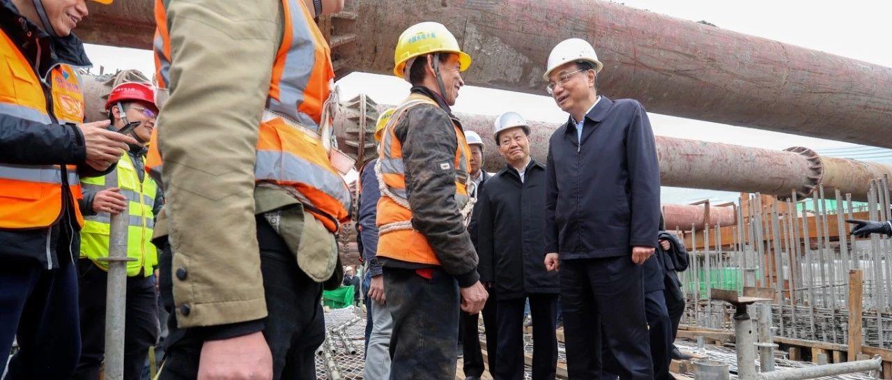 李克强在成都建筑工地喊话:拖欠农民工工资是昧良心行为