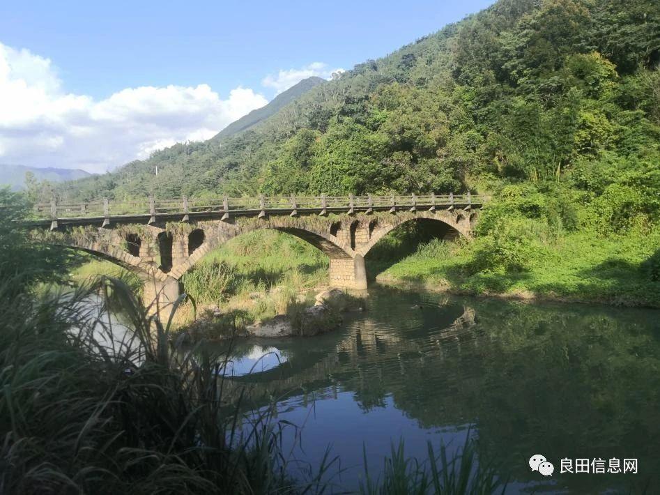 揭西:河婆沿着X098县道往北走,一路上都是依山傍水的原生态景色