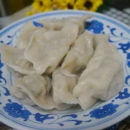 用这个菜做馅包饺子,馅香汁多,比韭菜茴香都好吃!