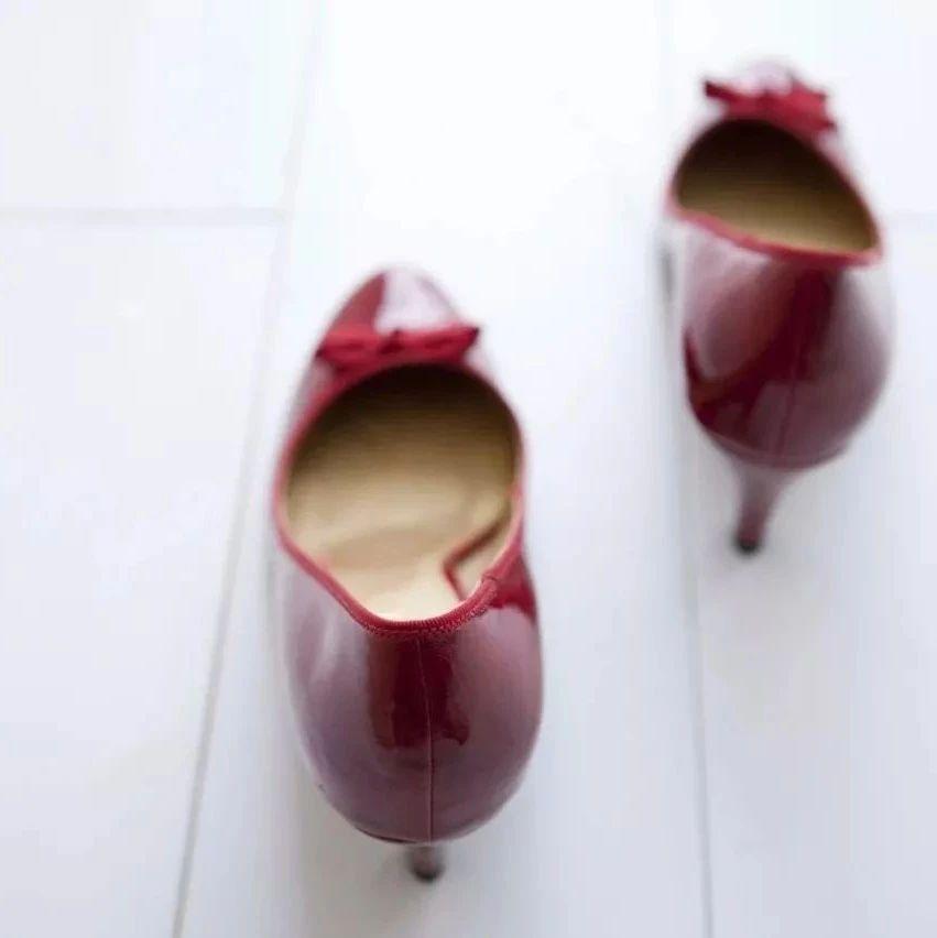 嫉妒表弟妻子能穿高跟鞋,抑郁症的她想不开,竟下手做出这样狠心的事…