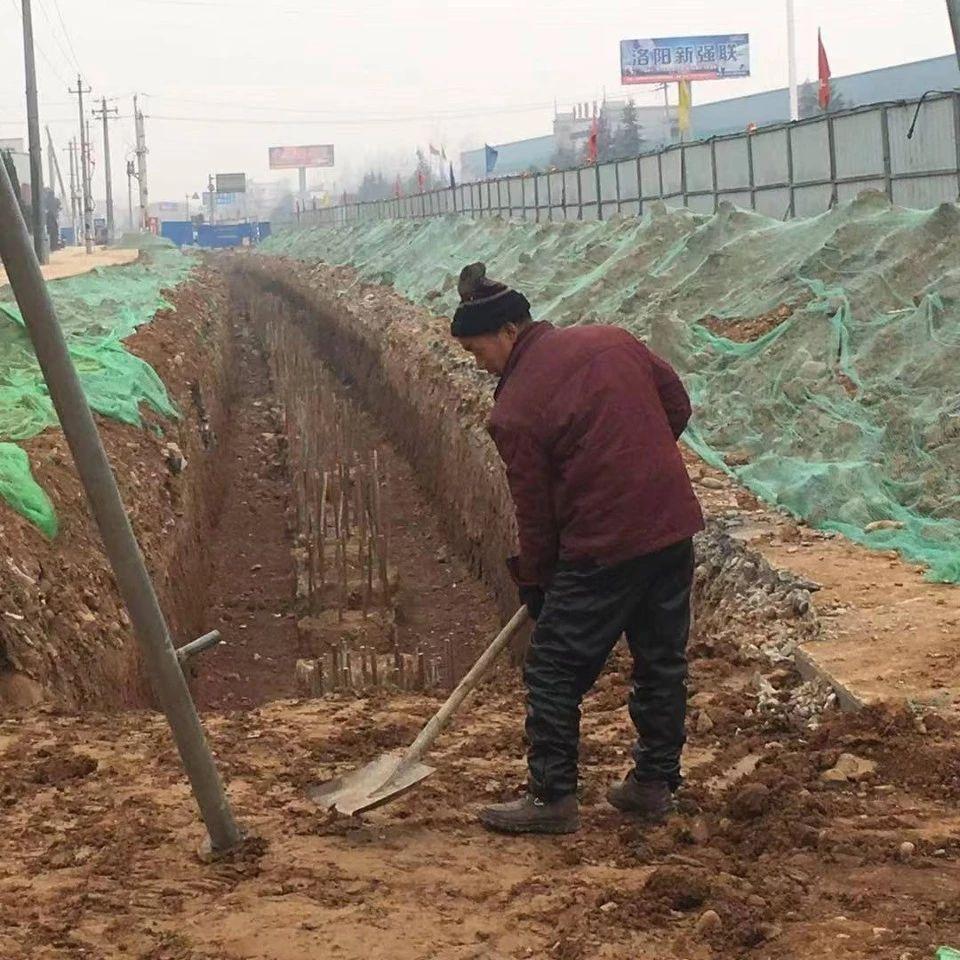 施工一线报道 洛新隧道桩孔完成逾半