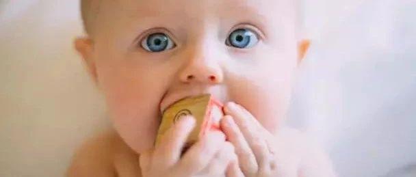 打死也不能给小宝宝吃的4种食物,因为有致命风险......