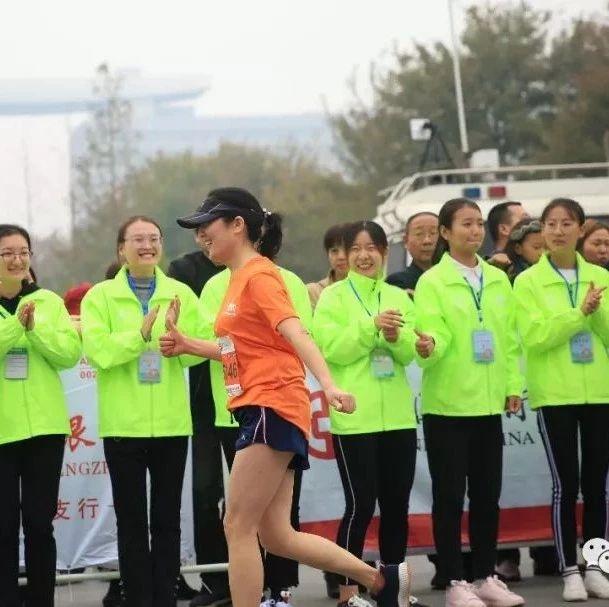 招募2019��R社��志愿者招募�M行中!