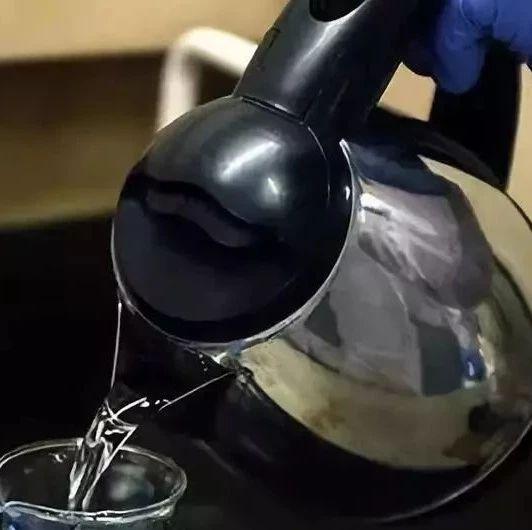 生活帮 废旧电热水壶别急着扔!这样做就能废物变宝,实用又值钱