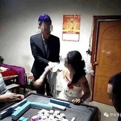 男子打麻将被妻子赶出门,买彩票竟中2亿大奖!