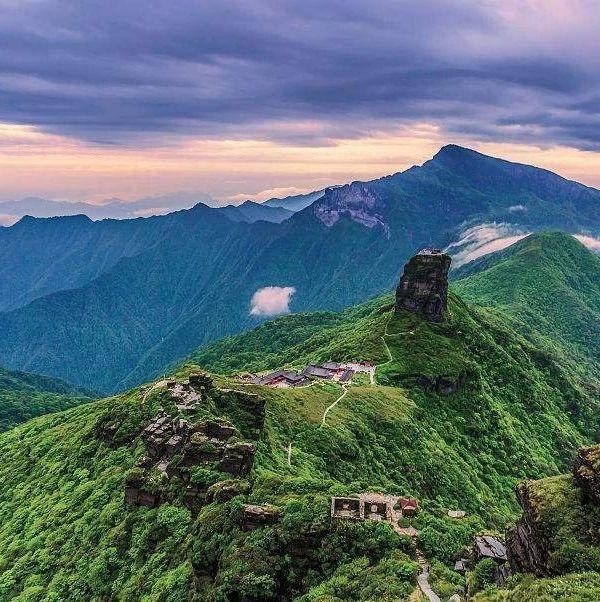 登高望远,在最美的秋,登最美的山!