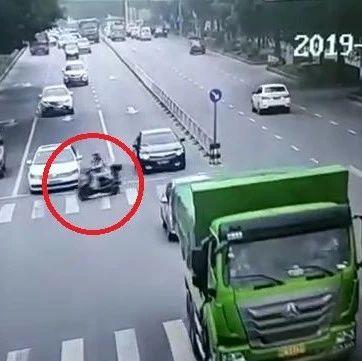 28岁女子当场身亡!视频记录生命最后10秒,教训惨痛!