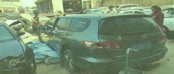 车子停在车位上被撞了,还得赔对方45万!千万别做这种事!