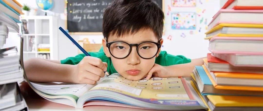 曲�人快看提高孩子注意力的六�N方法!