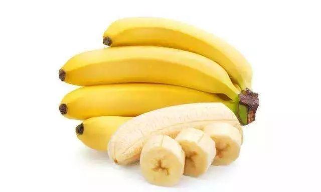 提醒】香蕉、柿子、牛奶、咖啡、�~…在空腹�r到底能不能吃?真相在�@→