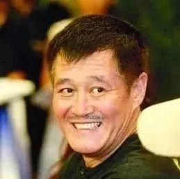 赵本山曾给一个8岁孩子300压岁钱,20多年后,孩子回来了
