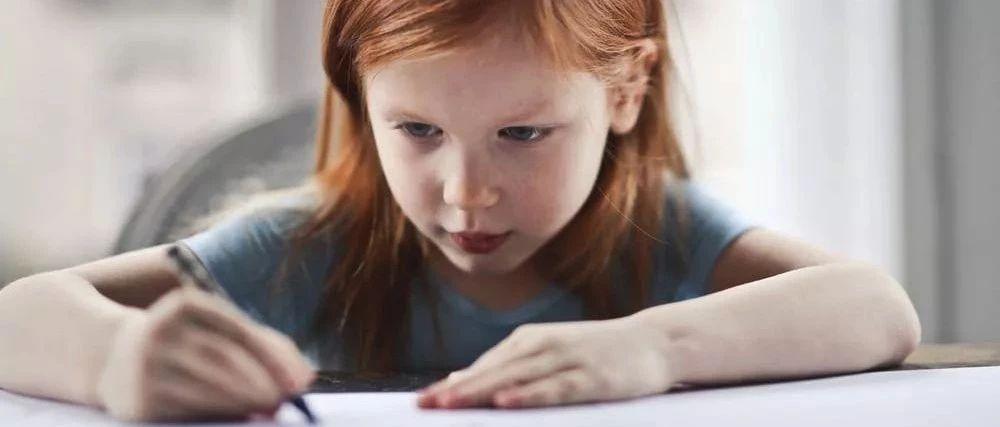 """一写作业就""""鸡飞狗跳""""?因为家长忽略了最关键的一件事儿"""